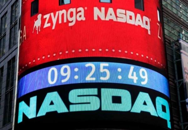 La luna di miele tra Zynga e la Borsa è durato 5 mesi, dopo è stata tutta una discesa fino ai 3 dollari attuali. Una performance che è costata il posto anche al suo fondatore.