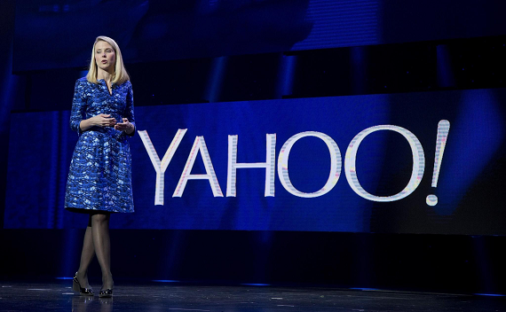 Verizon moves to purchase Yahoo!